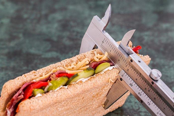 cara menggunakan smartwatch untuk kesehatan - Kendalikan Asupan Kalori