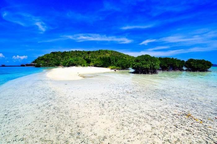 Wisata Lampung - Pantai Pasir Putih