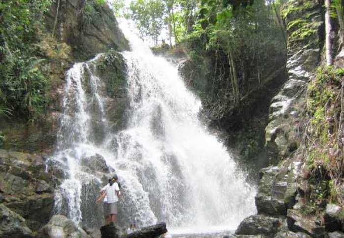 Objek wisata air terjun di Pekanbaru