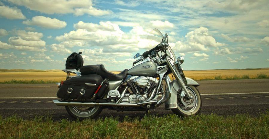 10 Merk Box Motor yang Bagus dan Terbaik - Tokopedia Blog Box Motor on