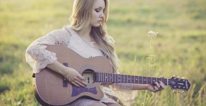 merk gitar akustik terbaik