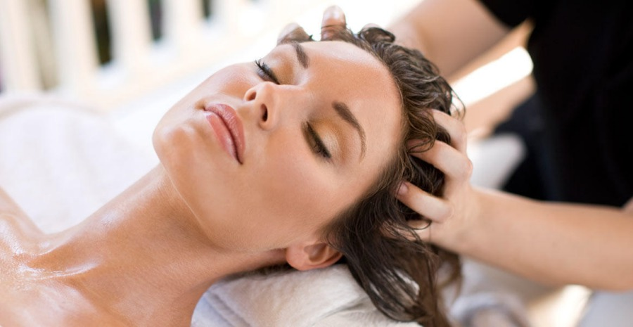 Tips Menghilangkan Ketombe dan Rambut Rontok
