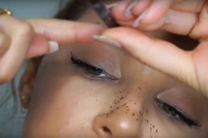 Tutorial Makeup Freckles