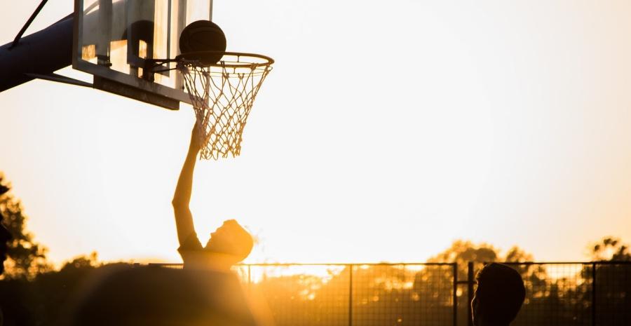 Sejarah Bola Basket Di Dunia Dan Di Indonesia Lengkap Tokopedia Blog