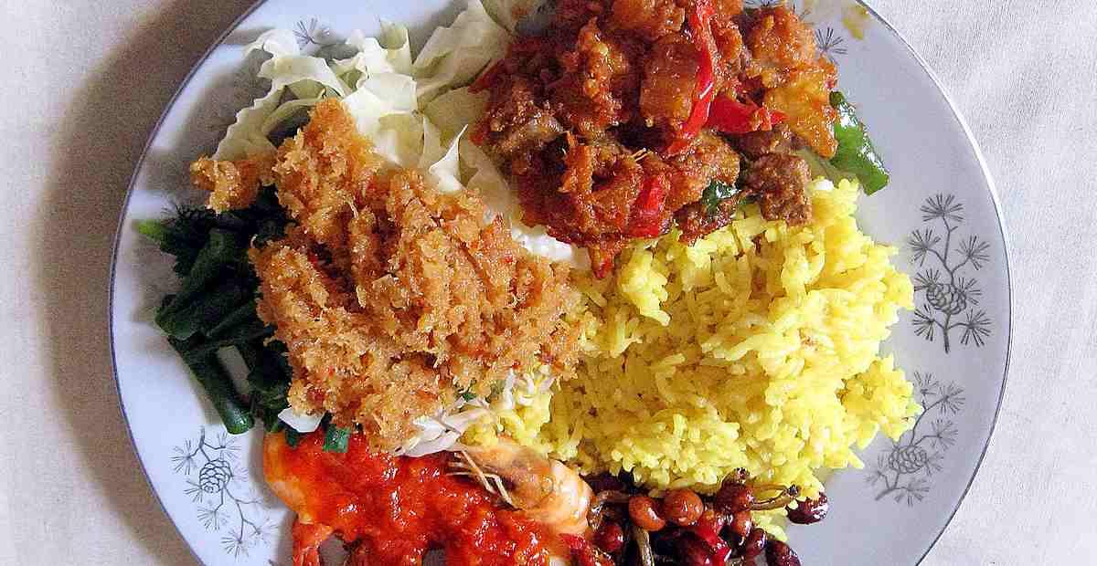 15 Kuliner Khas Samarinda Terlezat, Pantang Pulang Sebelum Icip!