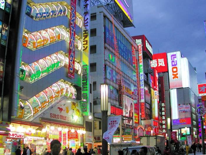 Akihabara Electronic - Wisata Belanja di Tokyo