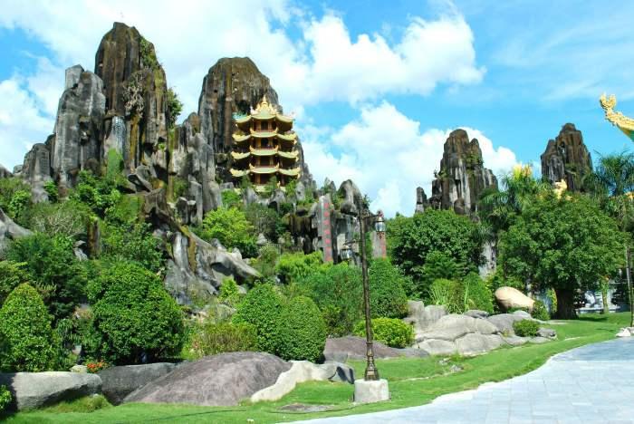 Marble Mountains - Tempat Wisata di Vietnam