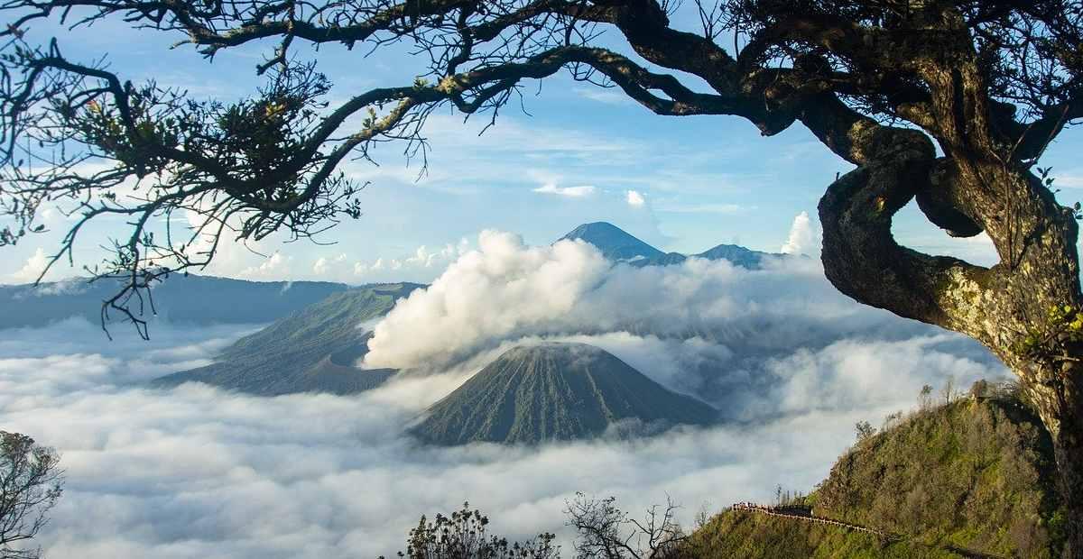 14 Tempat Wisata Di Indonesia Yang Terkenal Dan Mendunia