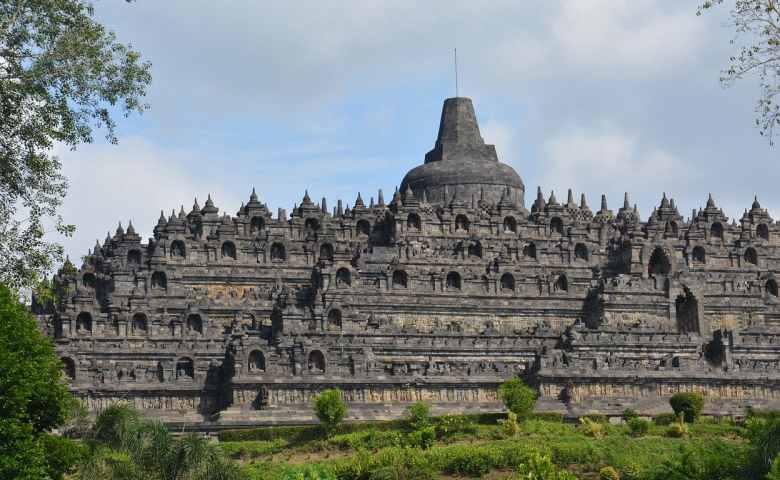 tempat wisata di indonesia yang terkenal yang mendunia