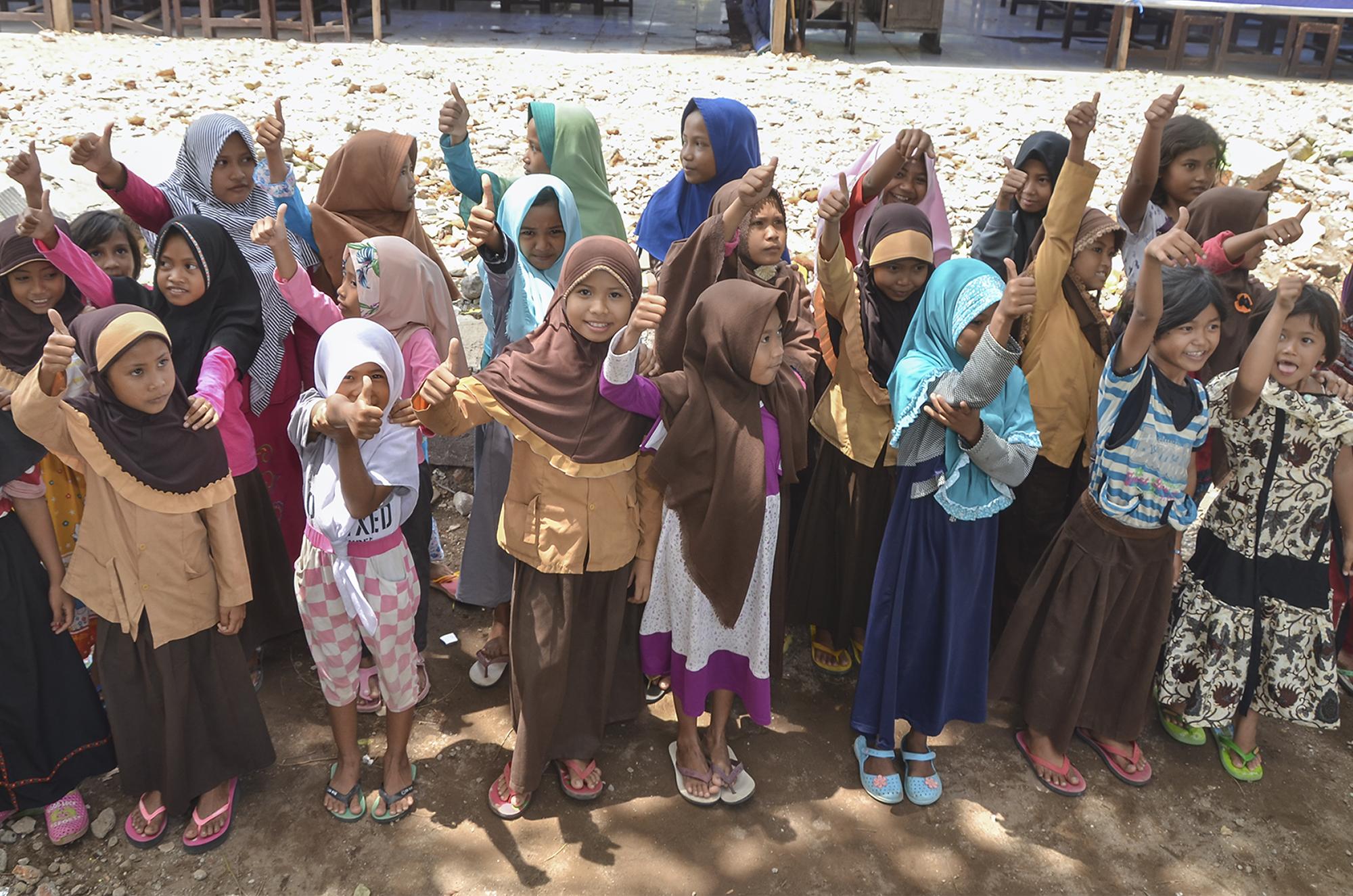 Investasi Reksadana Toppers Kembalikan Keceriaan Anak Pasca Gempa Lombok