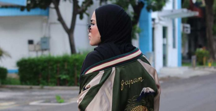 Tips Memilih Outer Fashion Muslim ala Sivia