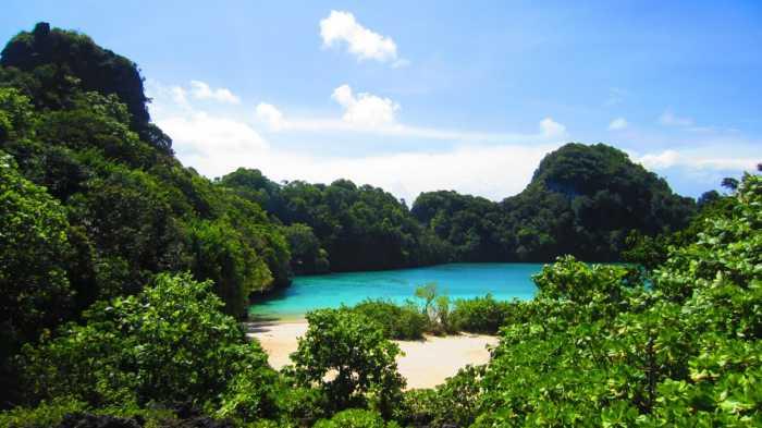 Nusa Kambangan - Objek wisata di Cilacap