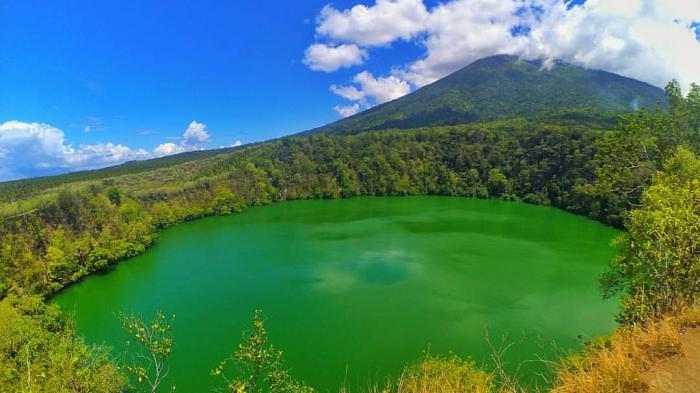 Destinasi Wisata di Ternate Populer - Gunung Gamalama