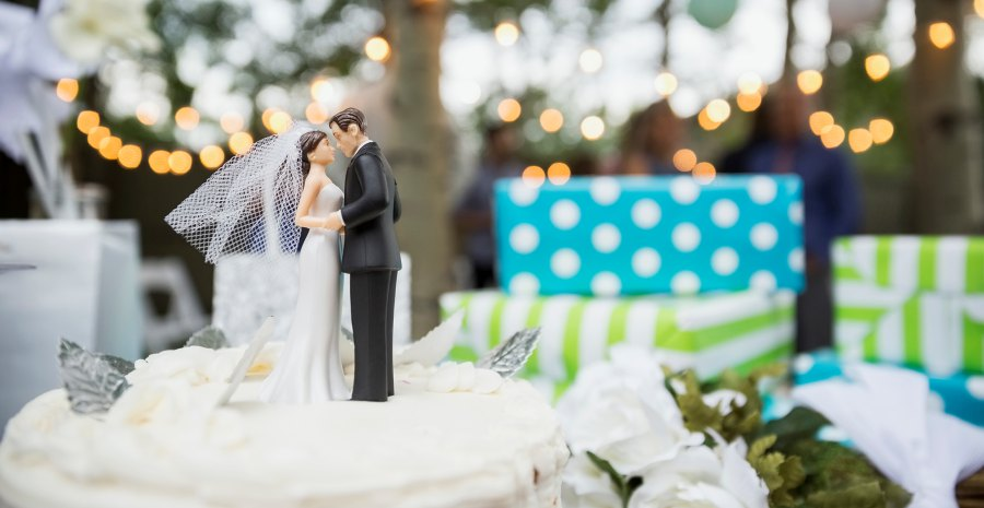 12 Isi Seserahan Pernikahan Lengkap Tokopedia Blog