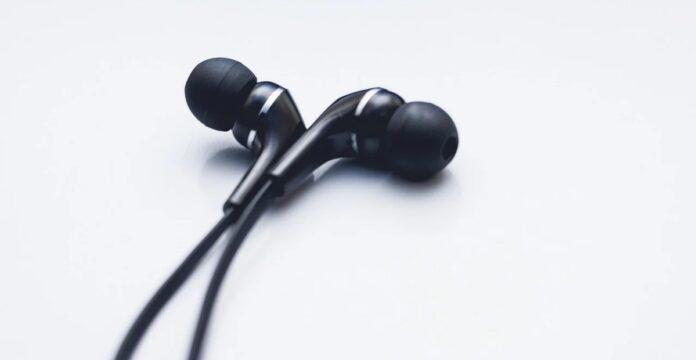 earphone terbaik