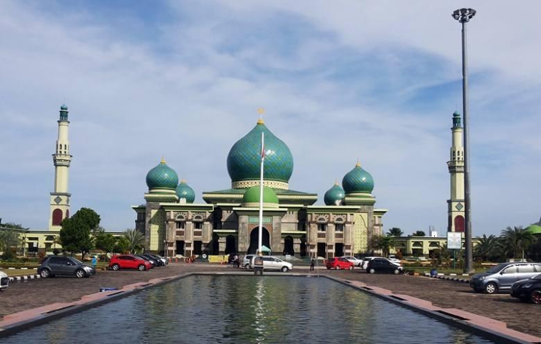 masjid terbesar di indonesia, urutan masjid terbesar di indonesia, masjid terbesar di indonesia 2019