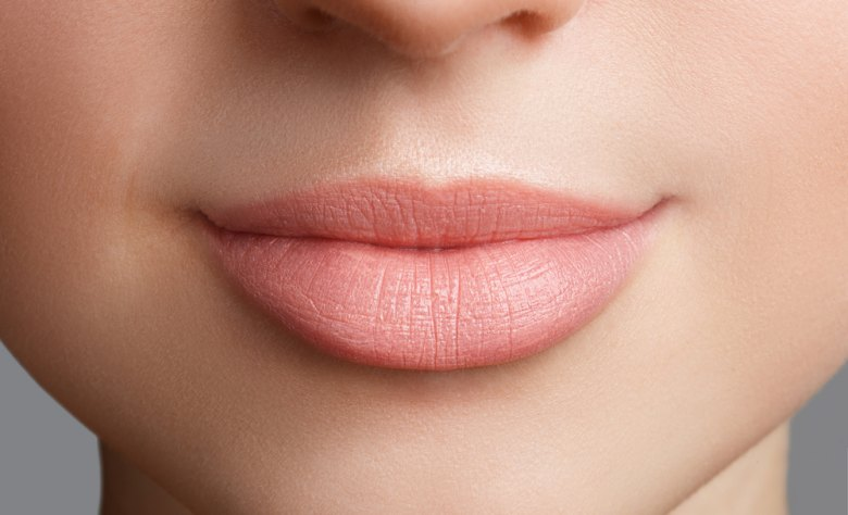 tips dan cara mengatasi bibir pecah pecah saat puasa
