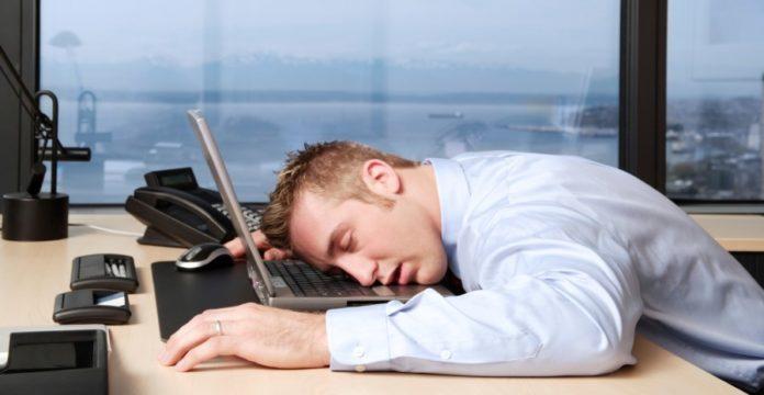 manfaat tidur siang saat puasa, manfaat tidur ketika puasa, manfaat tidur siang di bulan puasa