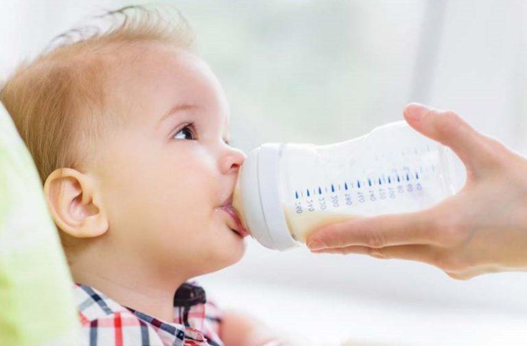 Takaran Susu Formula Bayi Yang Tepat Sesuai Usia Anak Tokopedia Blog