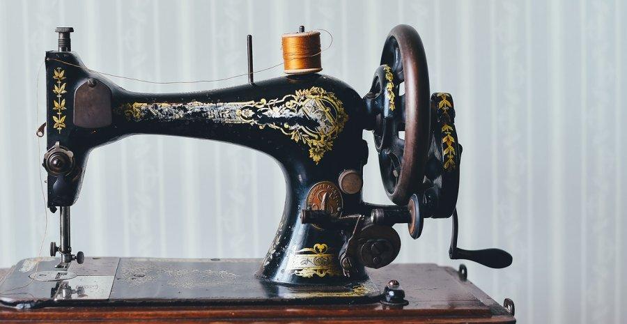10 Merk Mesin Jahit Yang Bagus Dan Awet Tokopedia Blog