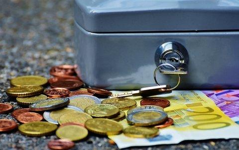 kurangi pengeluaran untuk bayar hutang dengan cepat
