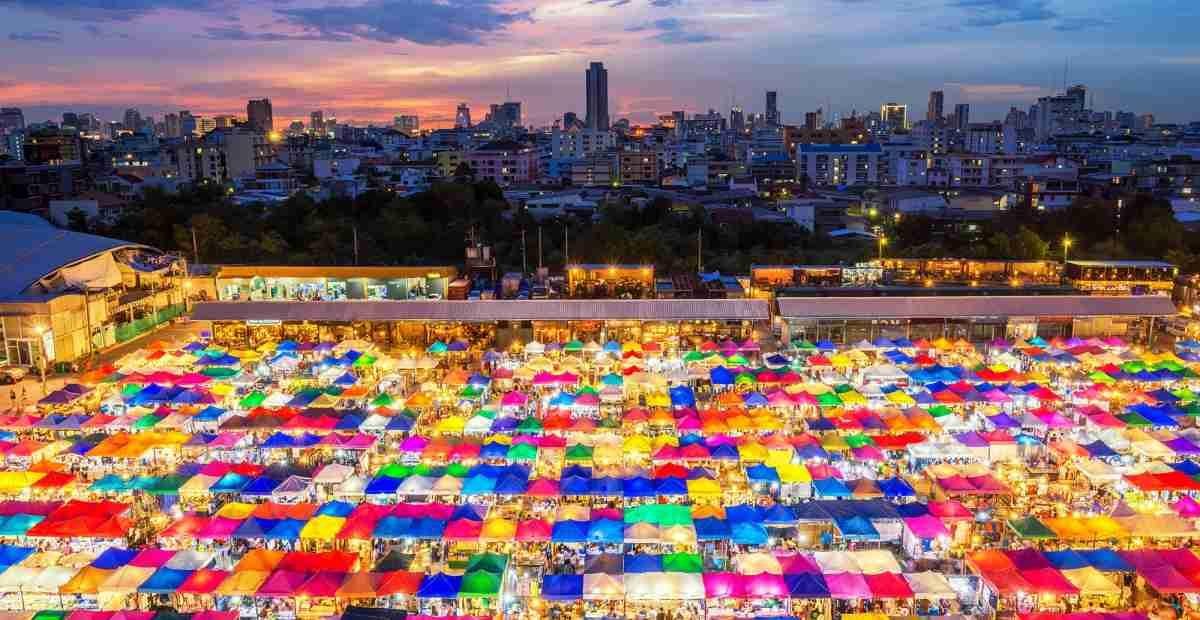 10 Destinasi Wisata Belanja Di Thailand Terbaik Tokopedia Blog
