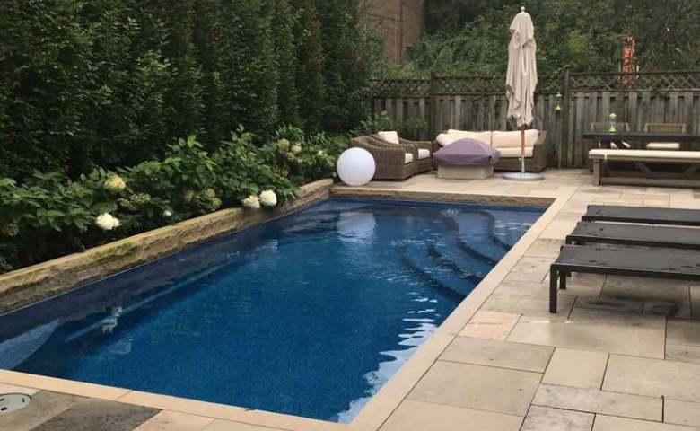 desain kolam renang di lahan sempit