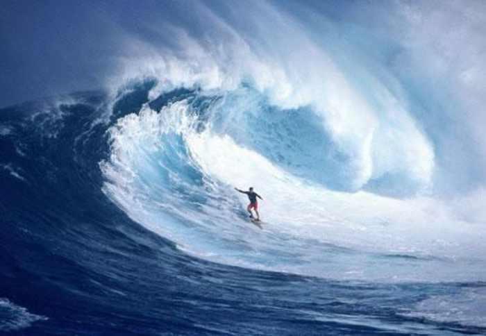 Lokasi Surfing terbaik di Indonesia