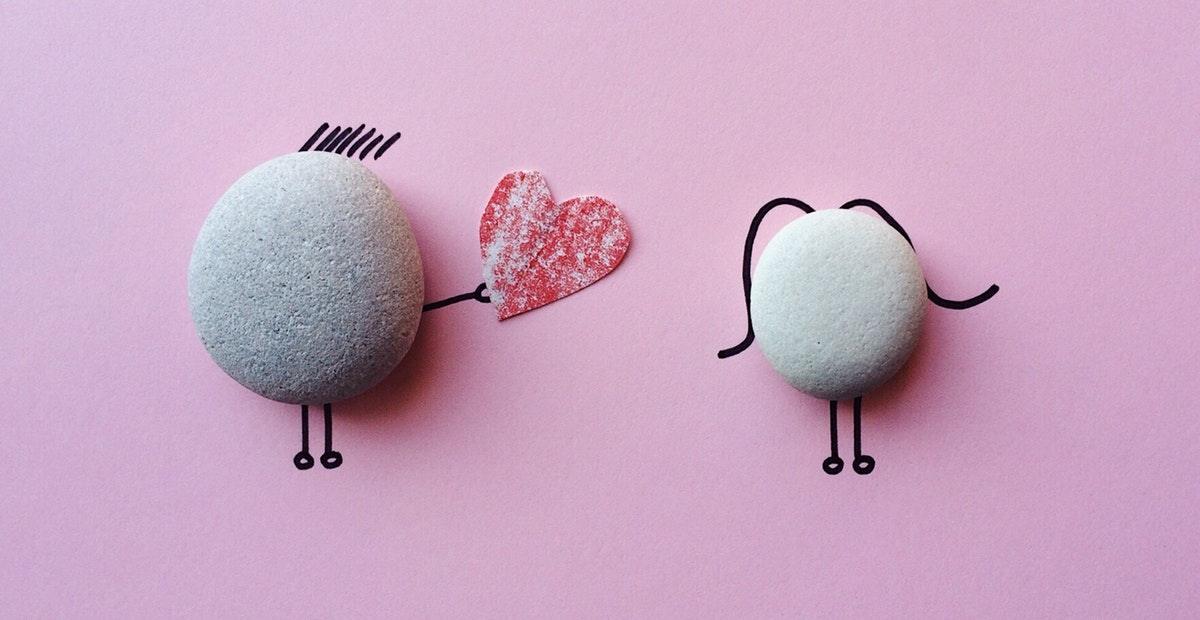 14 Kata Romantis Dalam Bahasa Inggris Saat Beri Hadiah