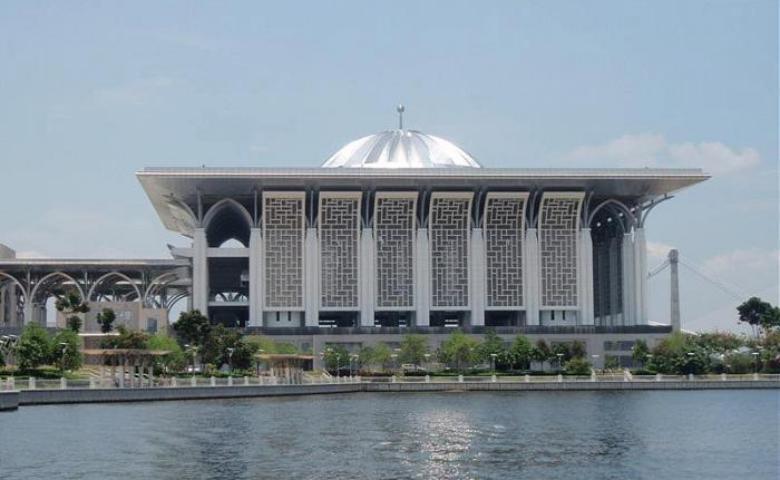 tempat ziarah umat muslim di dunia