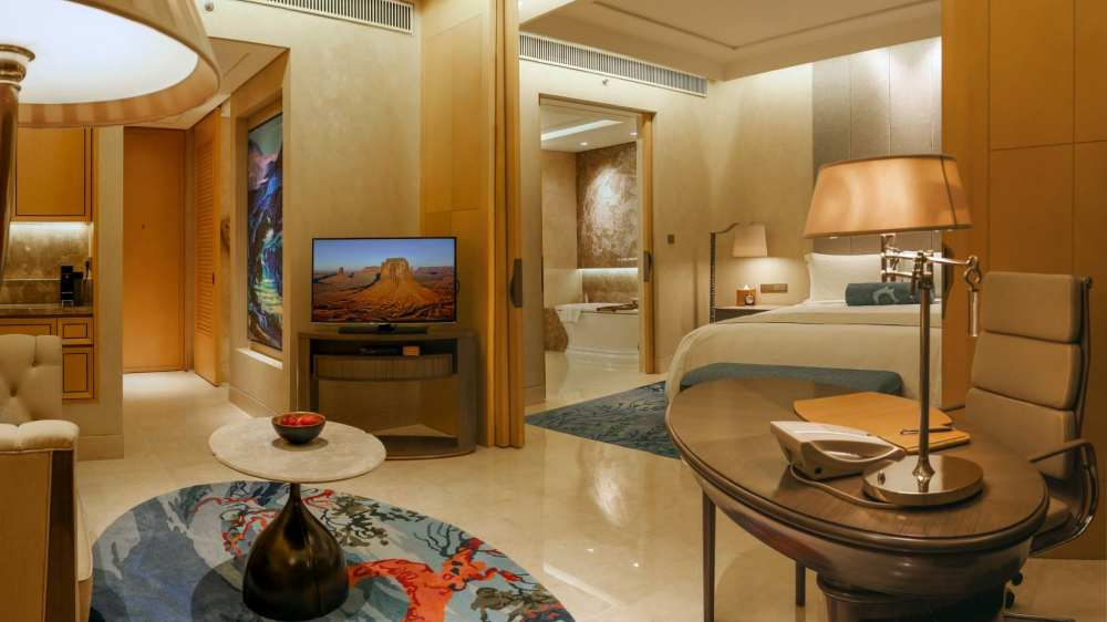 rffles hotel untuk staycation di jakarta