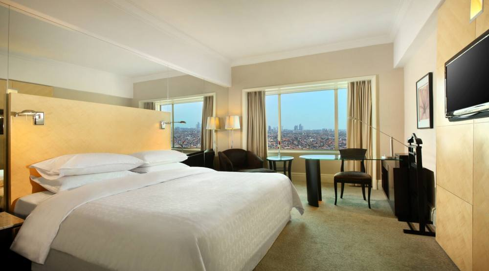 rekomendasi hotel staycation di surabaya