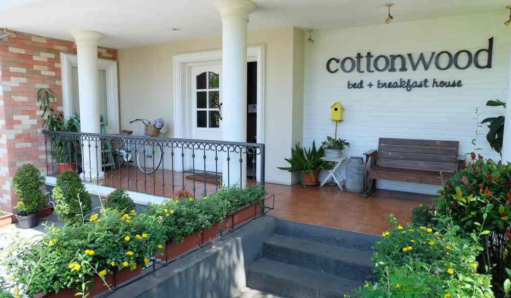 staycation di bandung hotel cottonwood