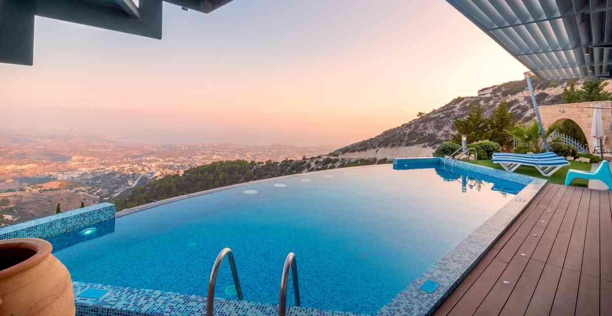 Refresh Otak & Pikiran di 10 Hotel Terbaik untuk Staycation di Bali