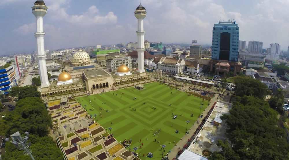 wisata di bandung masjid raya bandung