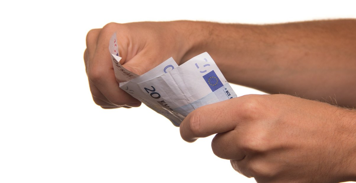 Ciri Pinjaman Online Ilegal Cara Menghindarinya Tokopedia Blog