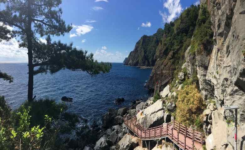 tempat wisata alam di korea selatan Uleung Island Seaside Road