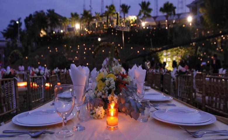 The Hills Dining Restaurant Tempat Wisata Romantis di Semarang