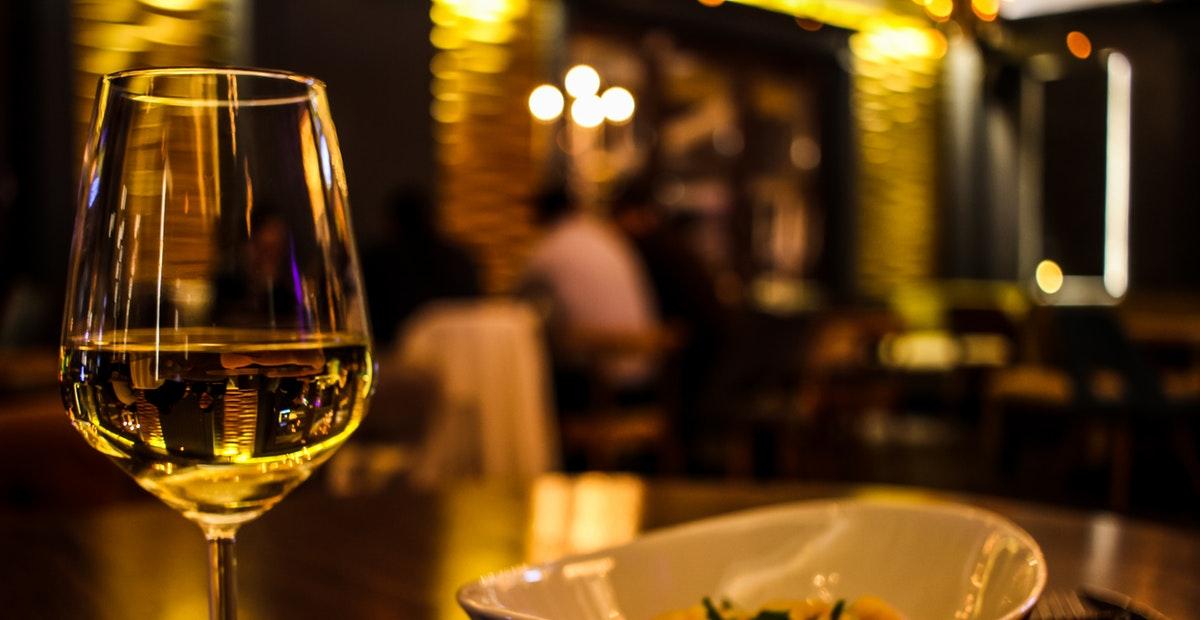 9 Tempat Makan Romantis di Bandung untuk Dinner Valentine