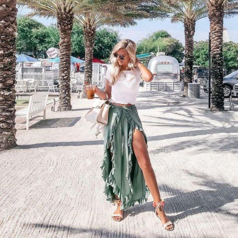 fashion ke pantai untuk wanita crop ruffle