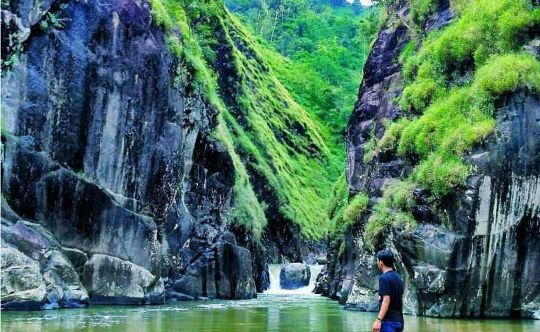 tempat wisata di garut Leuwi Tonjong