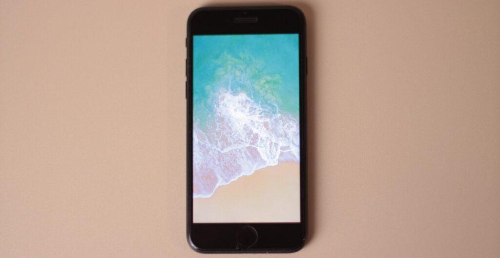 """Review iPhone 7 2020 -  Desain yang """"Jadul"""""""