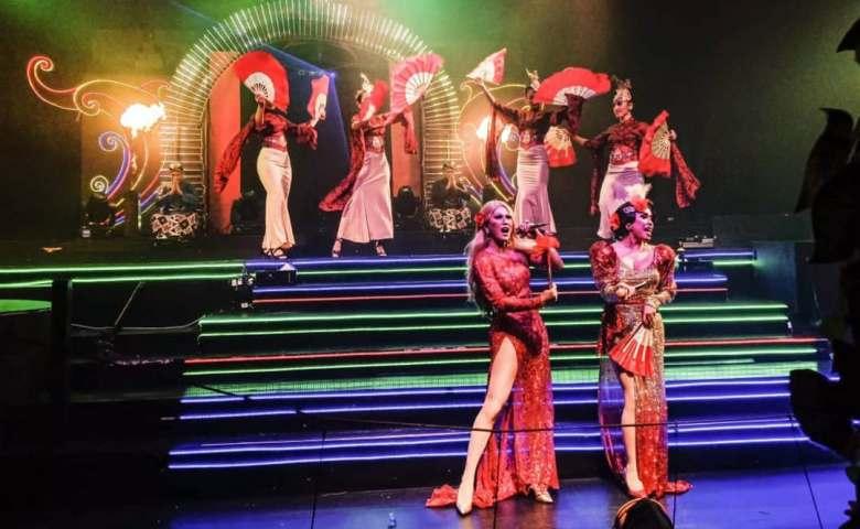 wisata malam jogja Oyot Godhong Cabaret Show