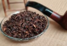 Tembakau Srintil Dan Pipa