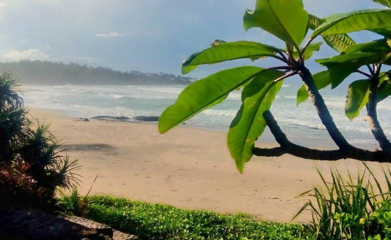 tempat wisata garut Pantai Taman Manalusu