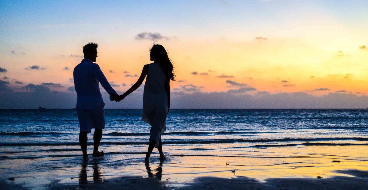 10 Tempat Romantis Di Indonesia Yang Cocok Jadi Tujuan Bulan Madu