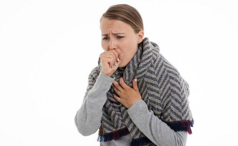 manfaat lemon dan madu - cegah batuk dan radang tenggorokan