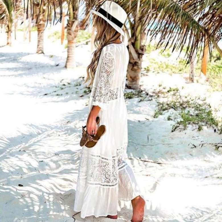 fashion ke pantai untuk wanita