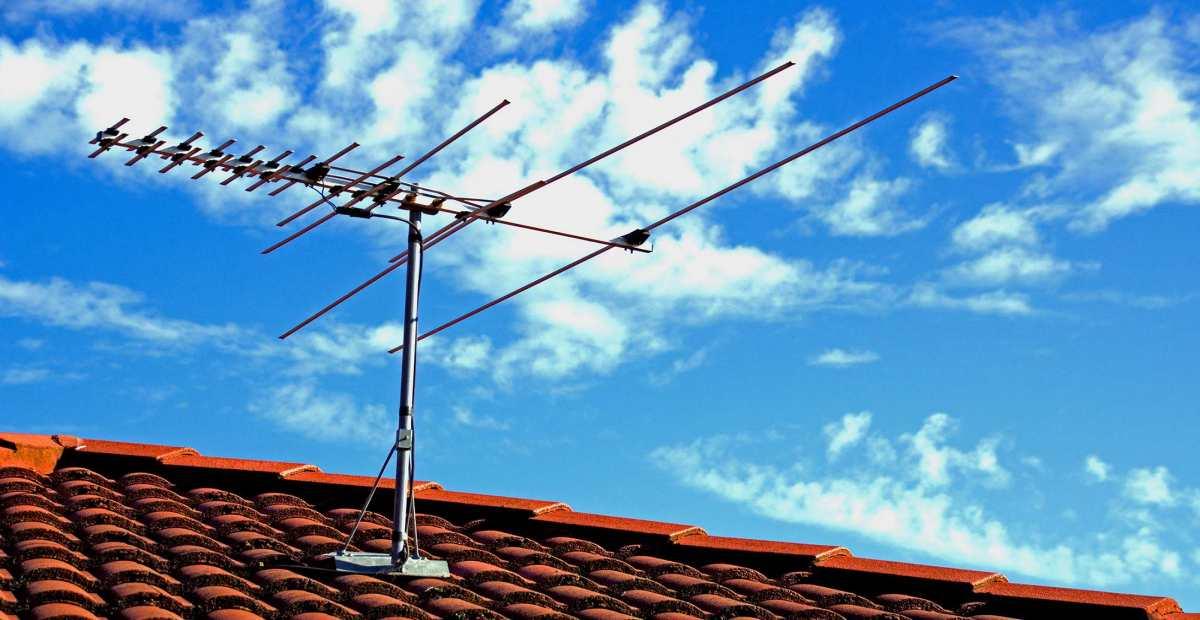 Featured Antena TV Terbaik Rekomendasi Indoor dan Outdoor Andalan
