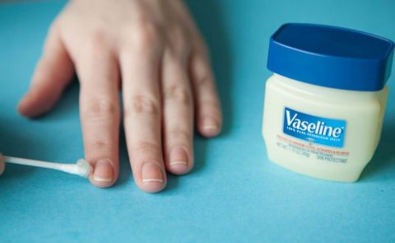 fungsi vaseline lip therapy, manfaat vaseline lip therapy
